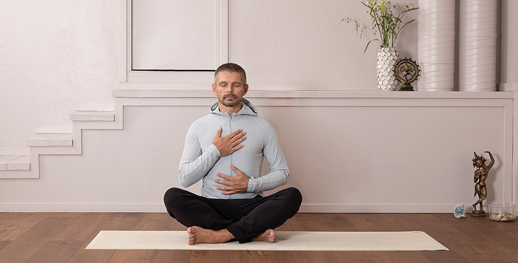 Hatha Yoga with Clive Guiver (ENG)